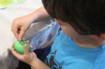 4 superheroes Easter eggs  marmite et ponpon