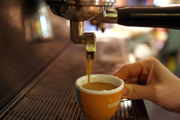 In flessione pausa-caffe', moka tiene, boom capsule