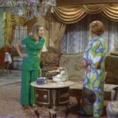 Blue Living Room With Dark Furniture Good Colors For And Kitchen Decorating Bewitched-style - Bewitched @ Harpies Bizarre