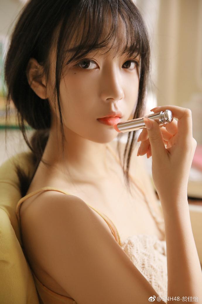 今日妹子图SNH48女团成员之一@SNH48-於佳怡