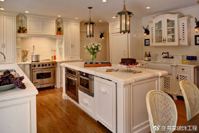 french country kitchens kitchen renovation 微博正文 微博html5版 如果你追求传统而又独特的外观 带你回到法国乡村和山坡 那就去吧 法国乡村厨房无论从乡村到现代 城市厨房看起来都很漂亮