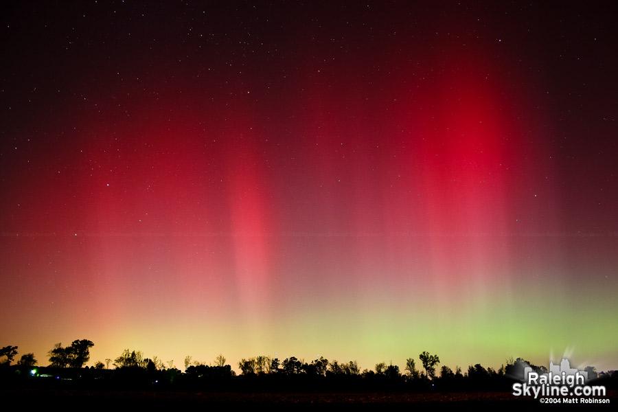aurora_borealis_raleigh_Nov_2004_raleighskyline.com_02