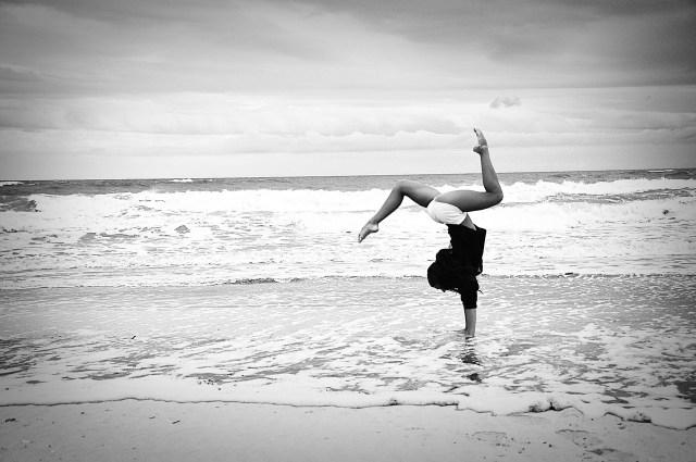 2016-02-02 gymnast on beach wyldeandfree.com