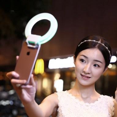 Светодиодная-телефонная-подсветка-в-виде-кольца-для-селфи-для-iPhone-6-Plus (1)