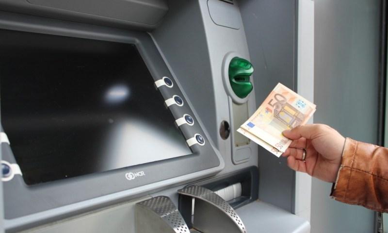 Kurzfristige Engpässe überwinden: Vexcash Kurzzeitkredit oder Dispo?