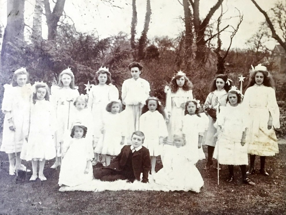 Concert Group c.1908