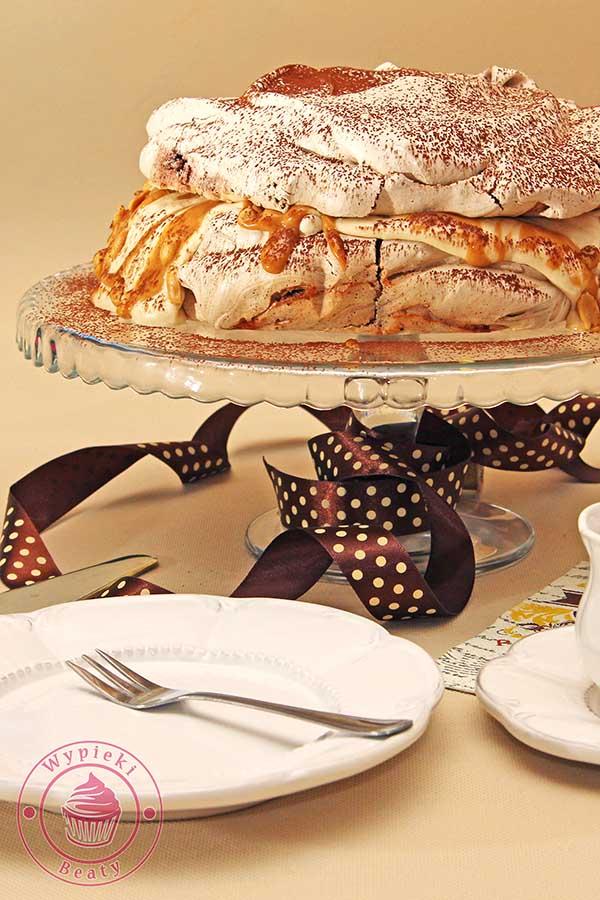 czekoladowy tort bezowy