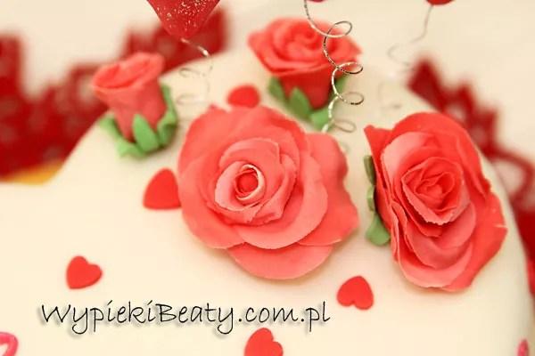 tort serduszkowo kwiatowy 2