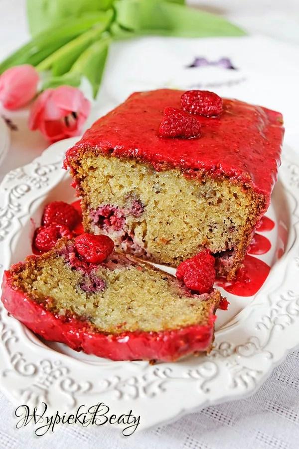 ciasto z malinami i truskawkami