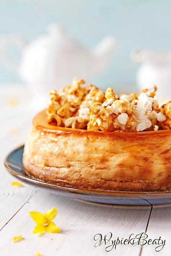 sernik z karmelowym popcornem 14