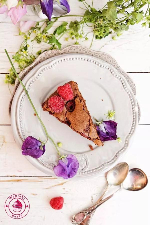 czekoladowe ciasto z malinami 7