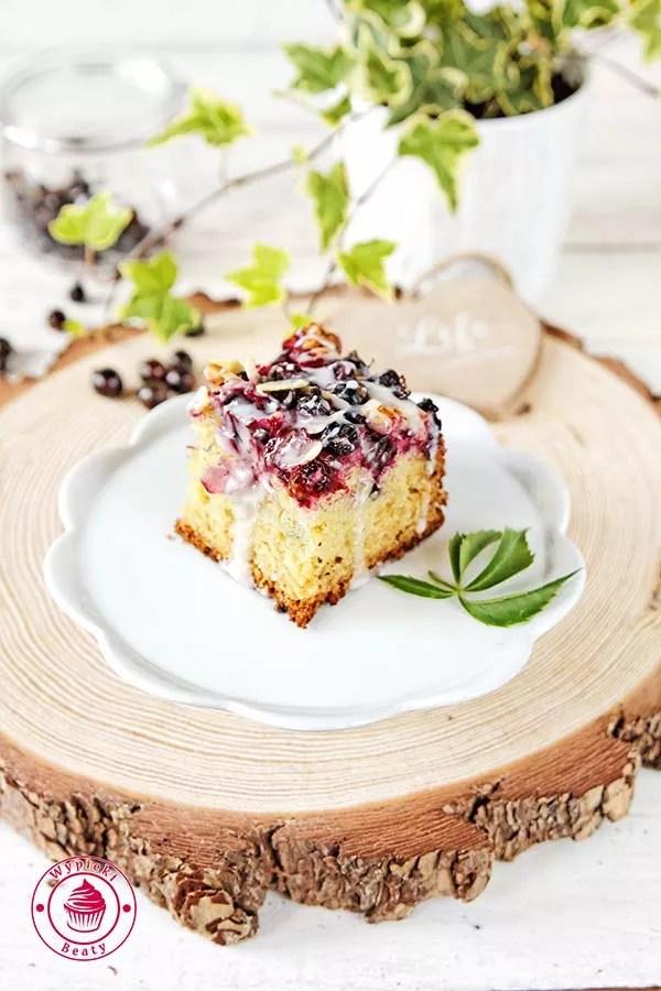 jogurtowe ciasto z czarna porzeczka 9