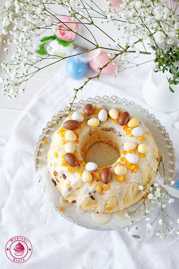 ciasto drożdżowe z rodzynkami