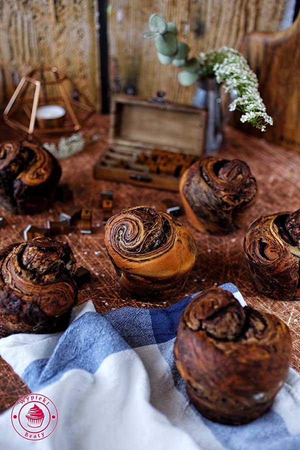 drożdżówki z czekoladą