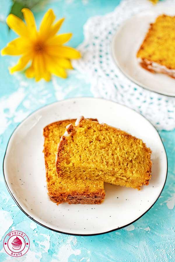 proste i szybkie ciasto owocowe z mango