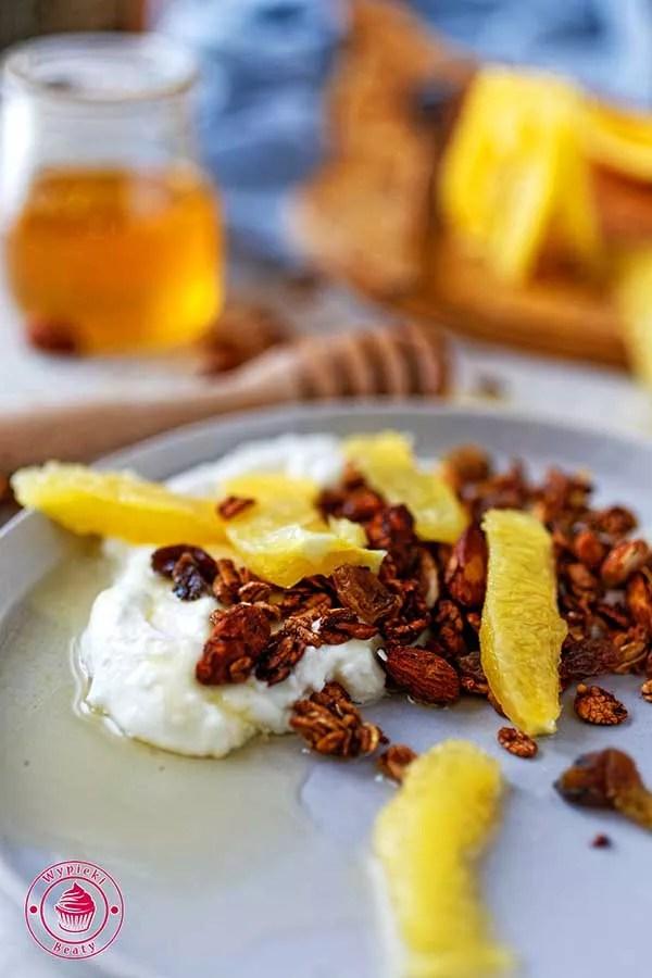 domowa granola kawowa z migdałami