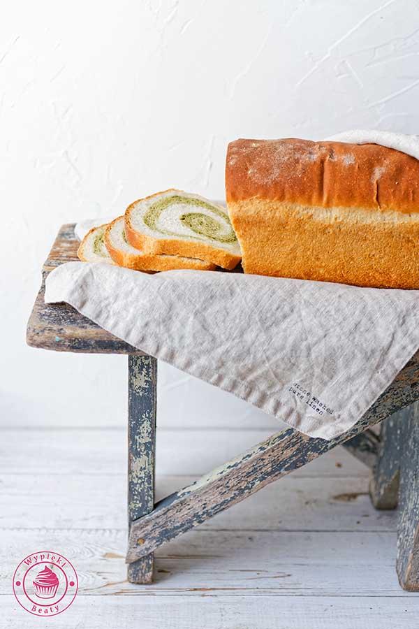 chleb z matchą