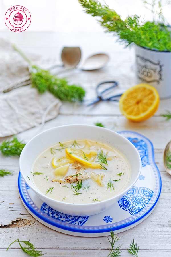 zupa cytrynowa z kurczakiem i makaronem
