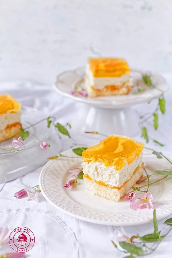 ciasto z chałwą i galaretką