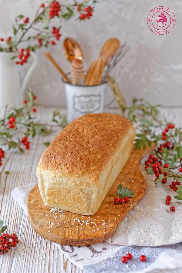 chleb pszenny z kokosem