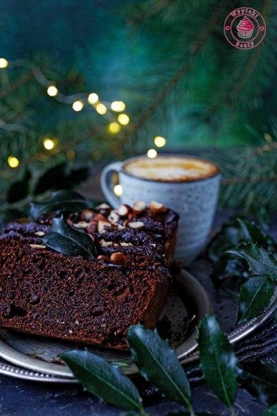 czekoladowe ciasto z bakaliami