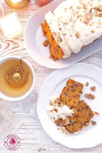 ciasto marchewkowe z serkiem mascarpone i białą czekoladą