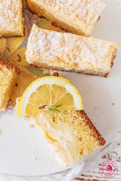 cytrynowe ciasto z twarogiem i kruszonką