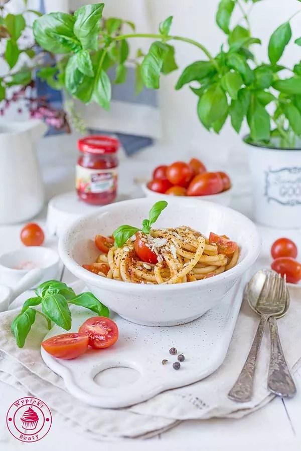 makaron cukiniowo-pomidorowy