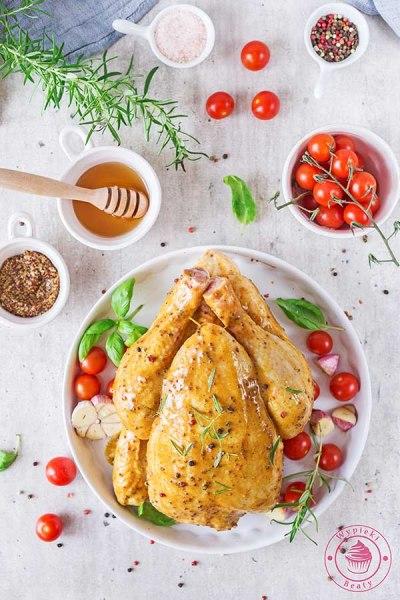 soczysty kurczak pieczony w całości