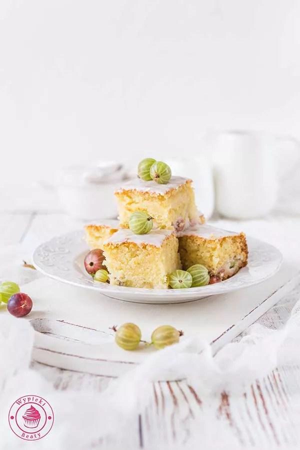 waniliowe ciasto z owocami