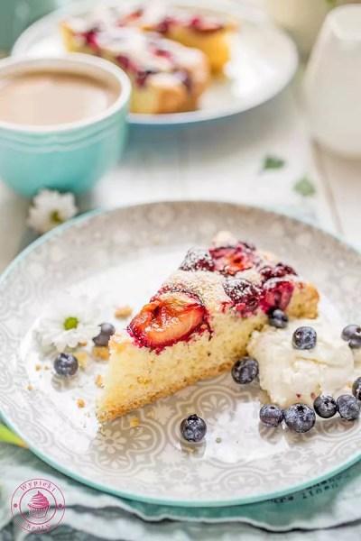 migdałowe ciasto z owocami