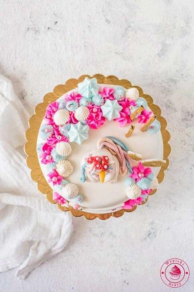 urodzinowy tort z jednorożcem