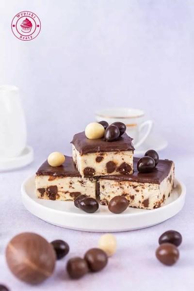 czekoladowy sernik straciatella