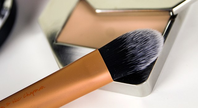 Real Techniques Essential Foundation Brush