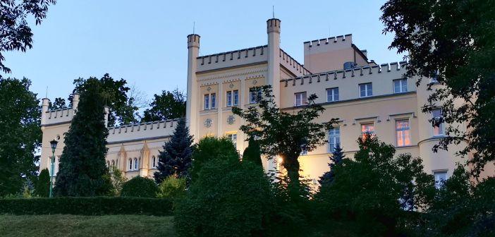 Świebodzicki Zamek Hugona (Pałac Seidlów) z zewnątrz i od środka!