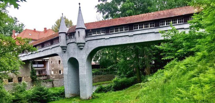 """Jedyny w Polsce i jeden z niewielu w Europie – """"kryty most"""" w Lądku-Zdroju! Zmarnowane szanse …"""
