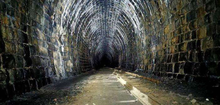 Nieczynny tunel kolejowy pod Przełęczą Kowarską