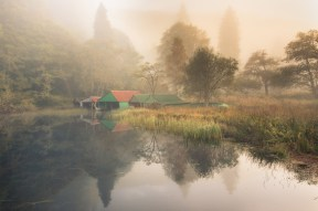 autum mist at Milton Pond