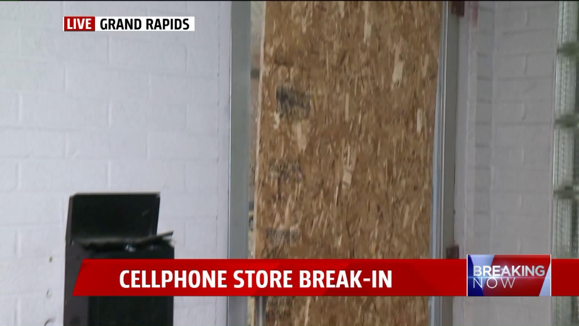 phone store broken into in grand rapids