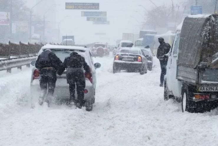 На Харківщині ліквідовують наслідки снігопаду