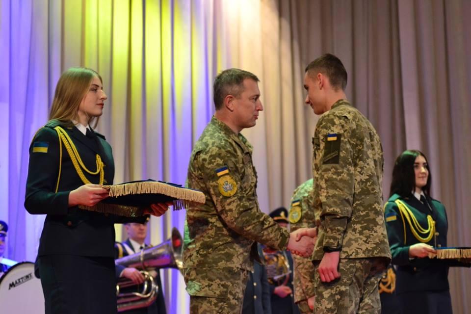 В університеті Повітряних Сил урочисто присвоїли нові військові звання