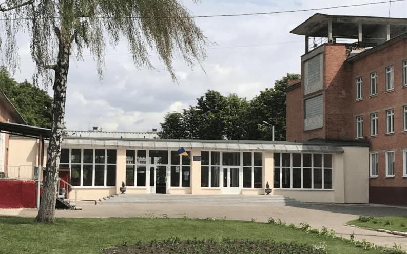 Зі школи на Нових Будинках евакуювали дітей