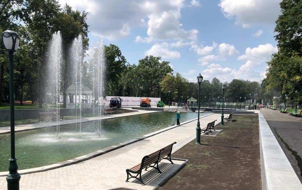 У саду Шевченка після реконструкції відкрили озеро