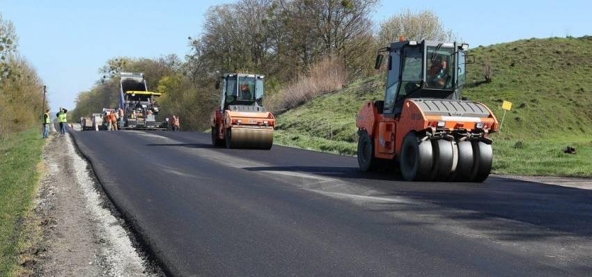 На Харківщині продовжують ремонтувати дороги