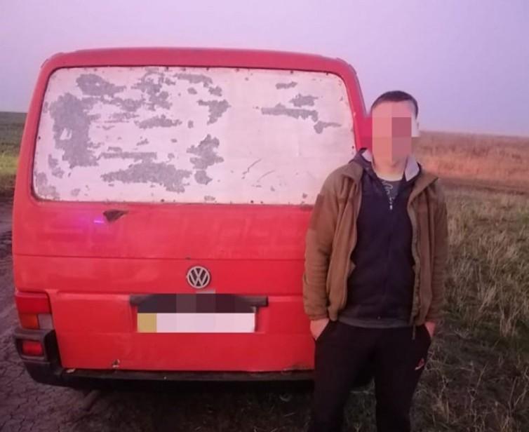 Прикордонники зупинили машину з неповнолітніми, яка рухалась у бік кордону