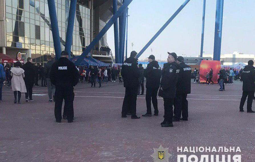 Великий футбол у Харкові. За порядком слідкуватимуть понад 2400 силовиків