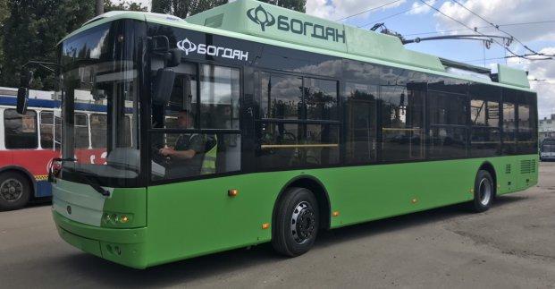 По Харкову почали курсувати нові тролейбуси