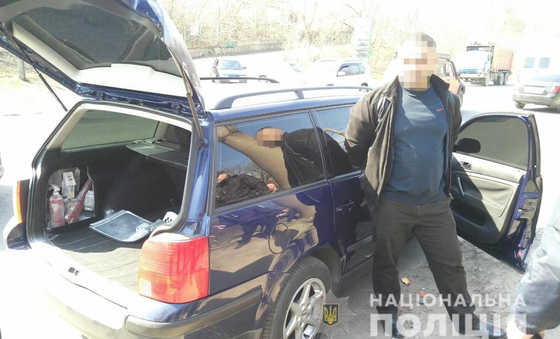 Поліція оперативно затримала групу грабіжників