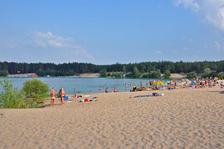 На популярних пляжах Харкова знайшли небезпечні кишкові палички
