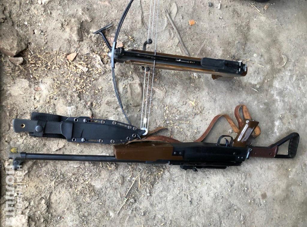 Затримано військовослужбовця, який торгував зброєю та боєприпасами